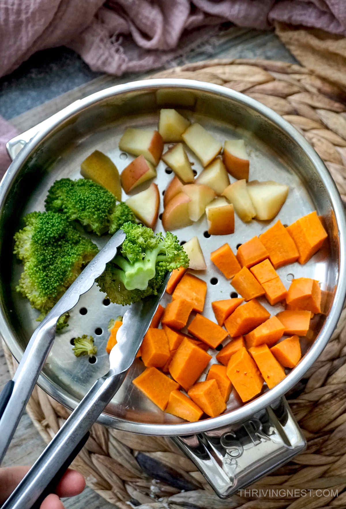 Steamed sweet potato broccoli apple for baby.
